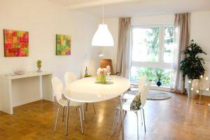 Abstrakte-Malerei-Ewa-Martens-Home-Staging